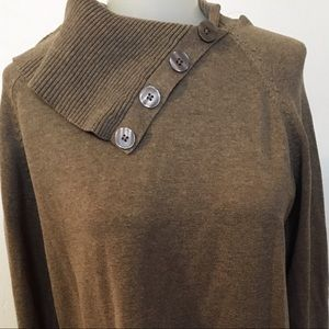 Sweaters - NWOT button accent sweater